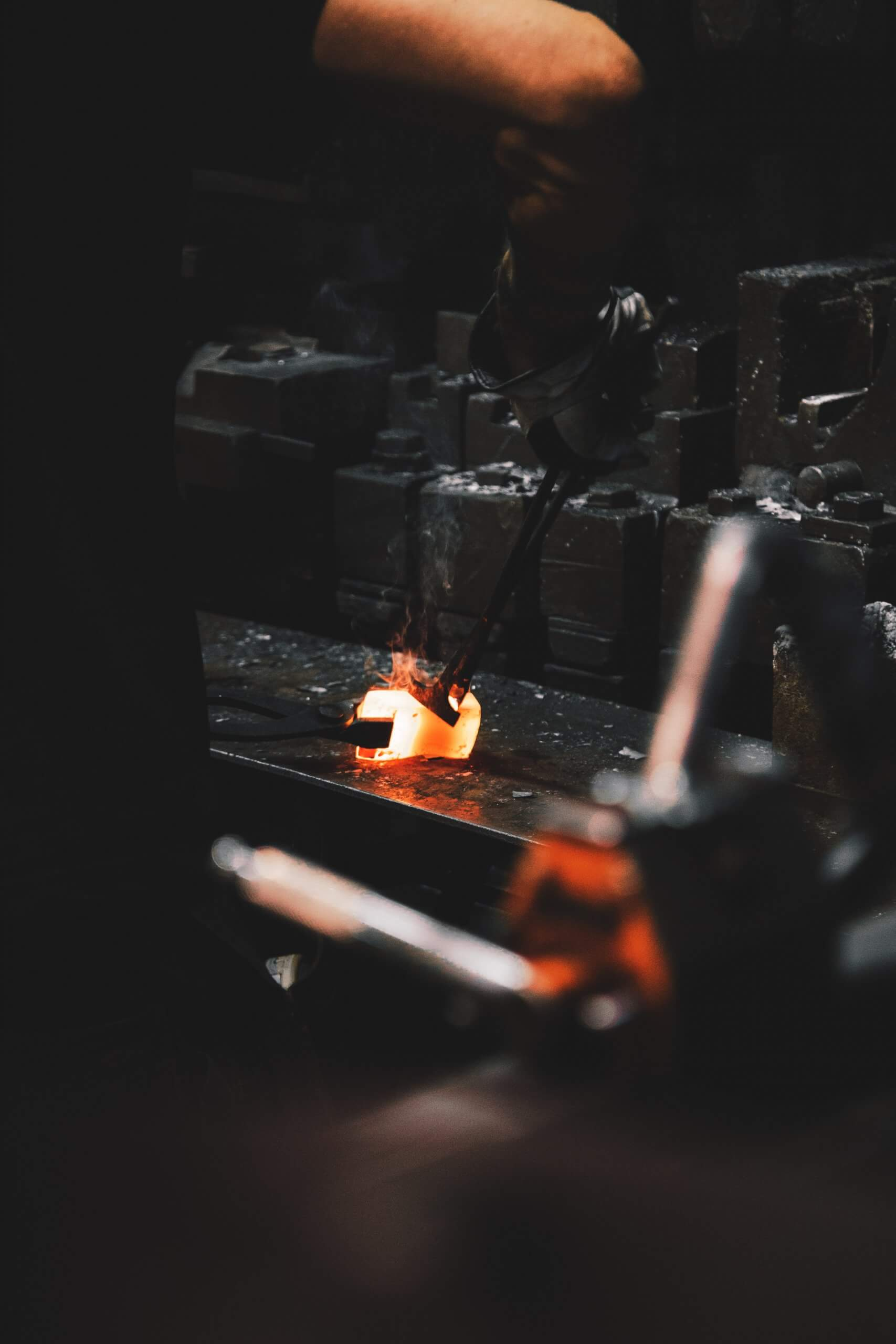 opracovanie kovu scaled